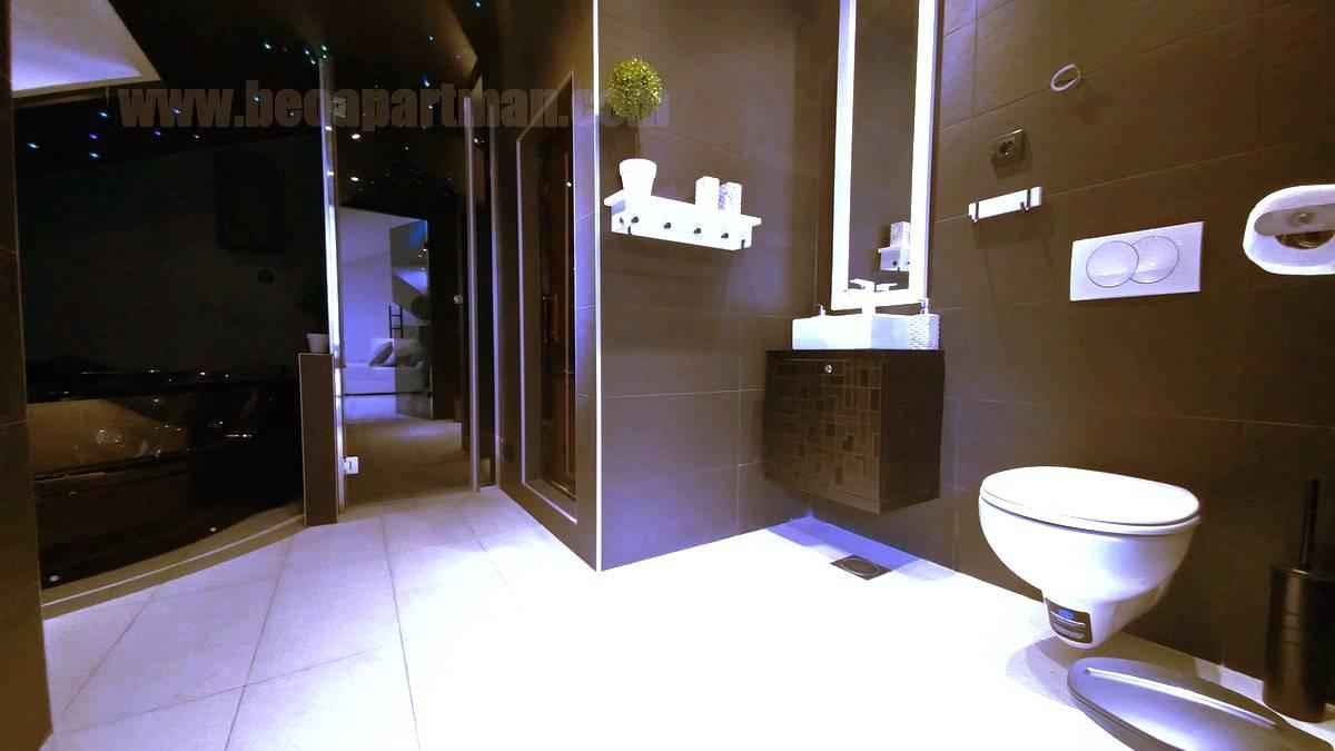 kupatilo ulaz spa apartman na Novom Beogradu