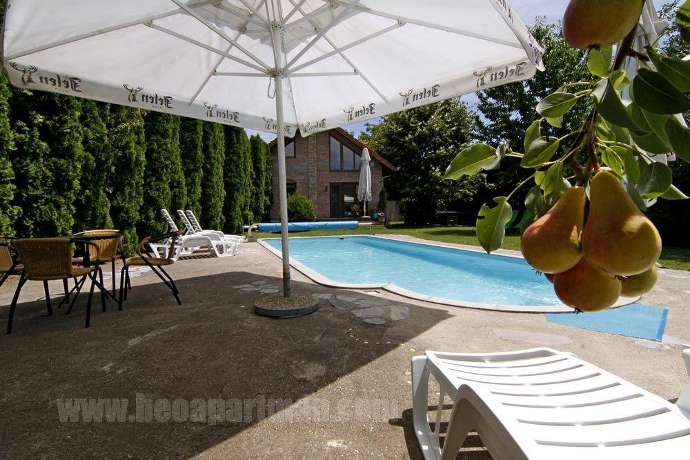 Vila Sa Bazenom Holivud Novi Beograd Ledine