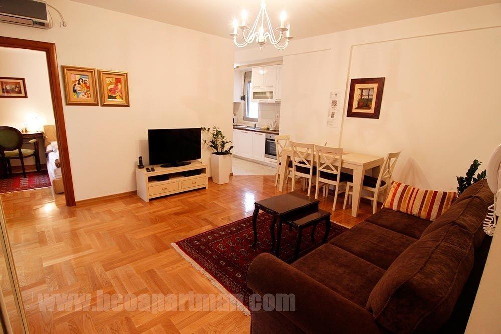 MIRA apartman Beograd centar, sa garažom, dnevna soba