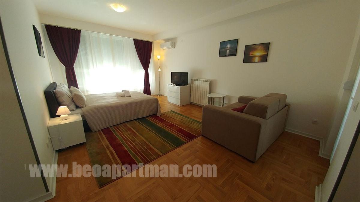 Japan Studio Apartment With Balcony New Belgrade