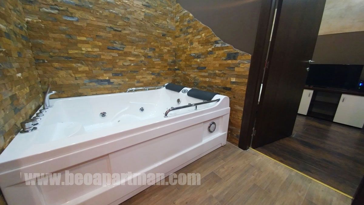 Trio En Jacuzzi.Trio Apartment Belgrade Vozdovac Jacuzzi Two Bedrooms