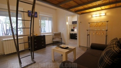 galleried room MALIBU cheap apartments Belgrade