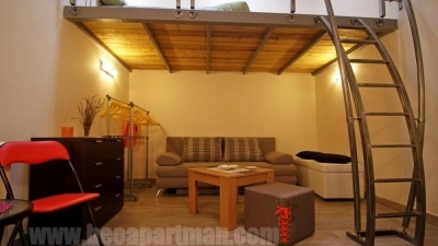 galleried room MONICA cheap apartments in Belgrade